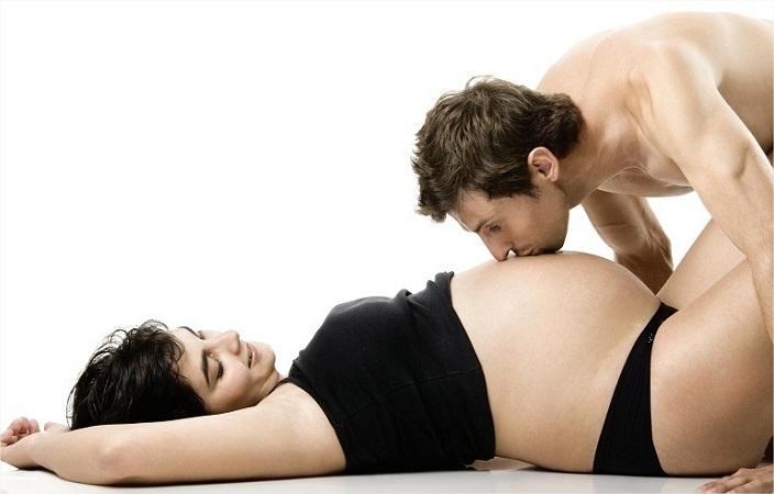 5 posiciones sexuales para disfrutar la intimidad durante el embarazo