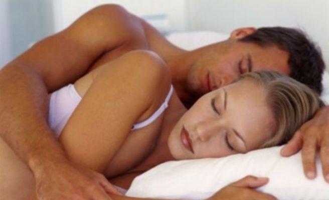 ¿Por qué debes dormir recostado sobre el lado izquierdo?