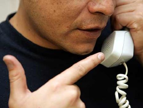 Siguen las extorsiones telefónicas