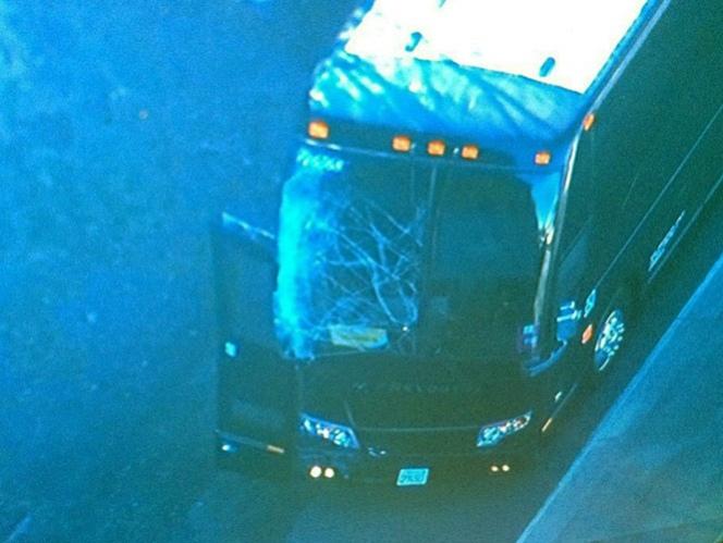Chocan autobuses de los Broncos de Denver, iban jugadores