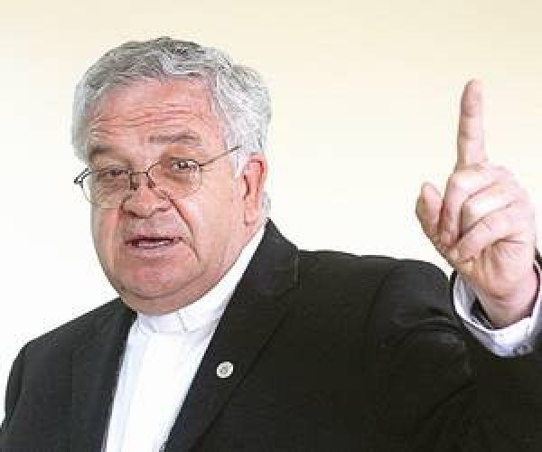 Deja rueda de prensa obispo de Ags para no contestar sobre boda de EPN y la Gaviota
