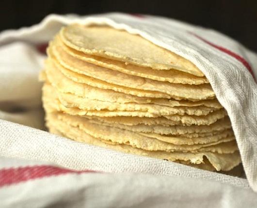 Comienza a incrementarse el precio del kilo de tortilla por el alza del dólar