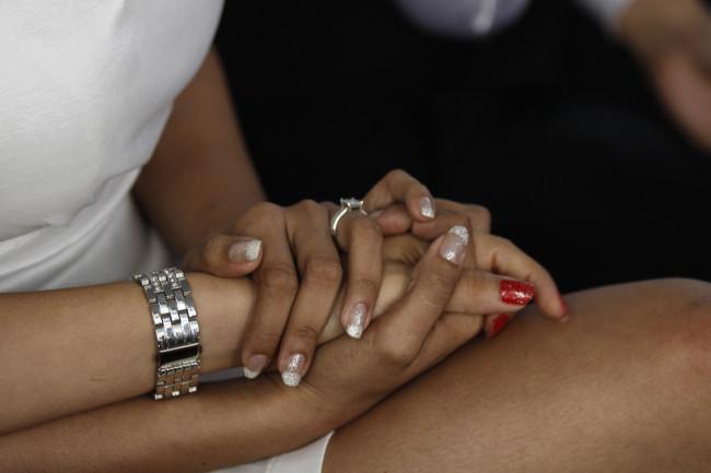 MÉXICO, D.F., 28JUNIO2014.- En la delegación Miguel Hidalgo se realizó una Ceremonia Colectiva de Matrimonios Civiles Igualitarios en donde la gran mayoría de las parejas fueron del  mismo sexo. FOTO: RODOLFO ANGULO /CUARTOSCURO.COM