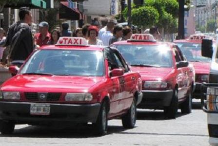 Reubicarán sitio de taxis de Blvd. San Marcos