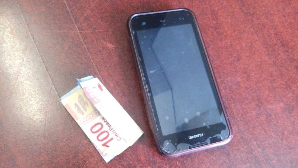 Detienen a ladrón de celulares