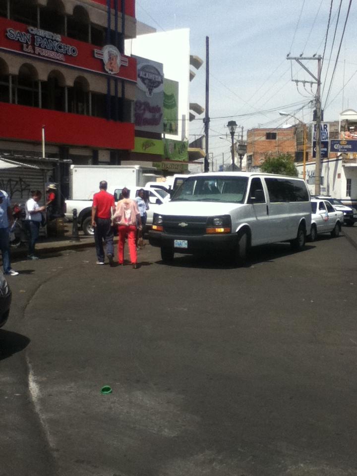 Distribuyen propaganda panista en vehículo de Guanajuato