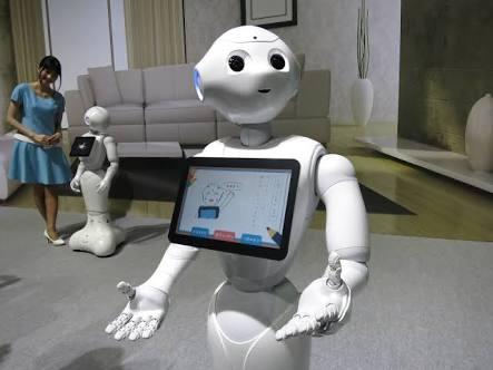 Robot debuta como maestro de escuela en Japón