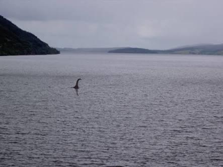 Encuentran al mounstro del Lago Ness… Pero de utilería