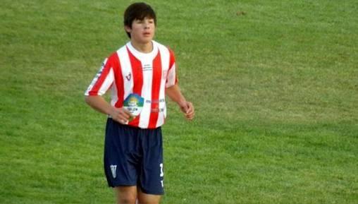 Debuta jugador de 13 años en Argentina