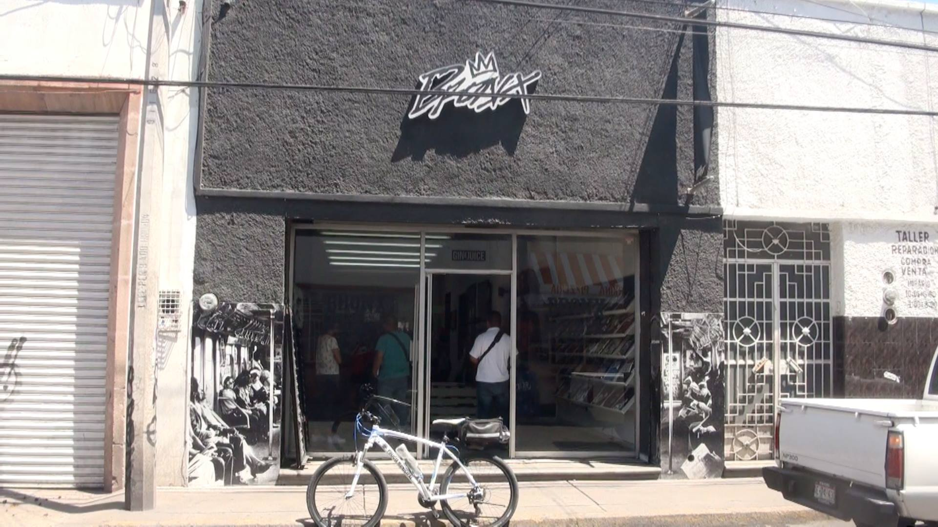 Asaltan tienda de ropa en pleno Centro