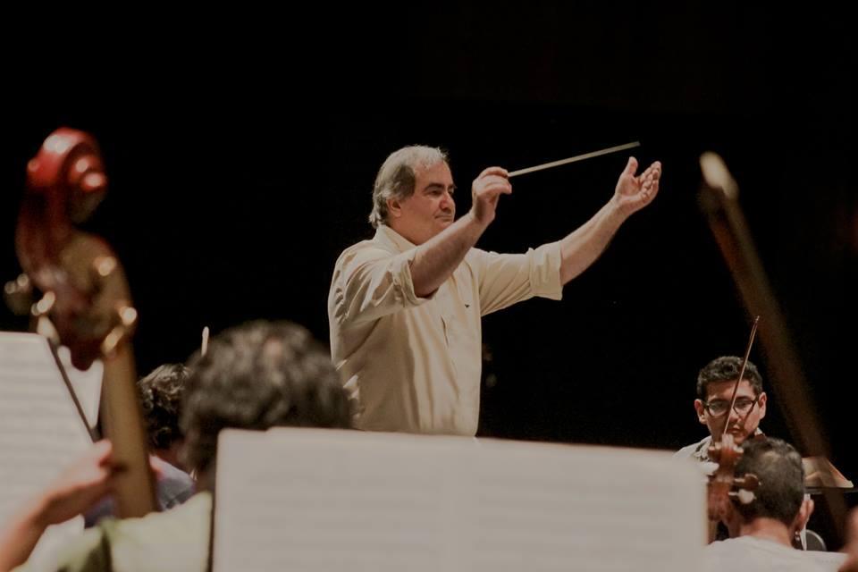Director y solista de excepción para el tercer concierto de la OSA