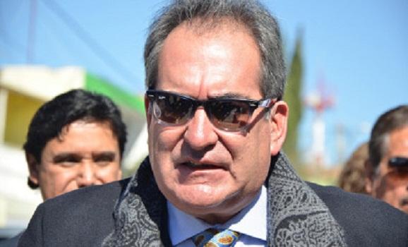 Carlos Lozano rentó vehículos blindados para su informe