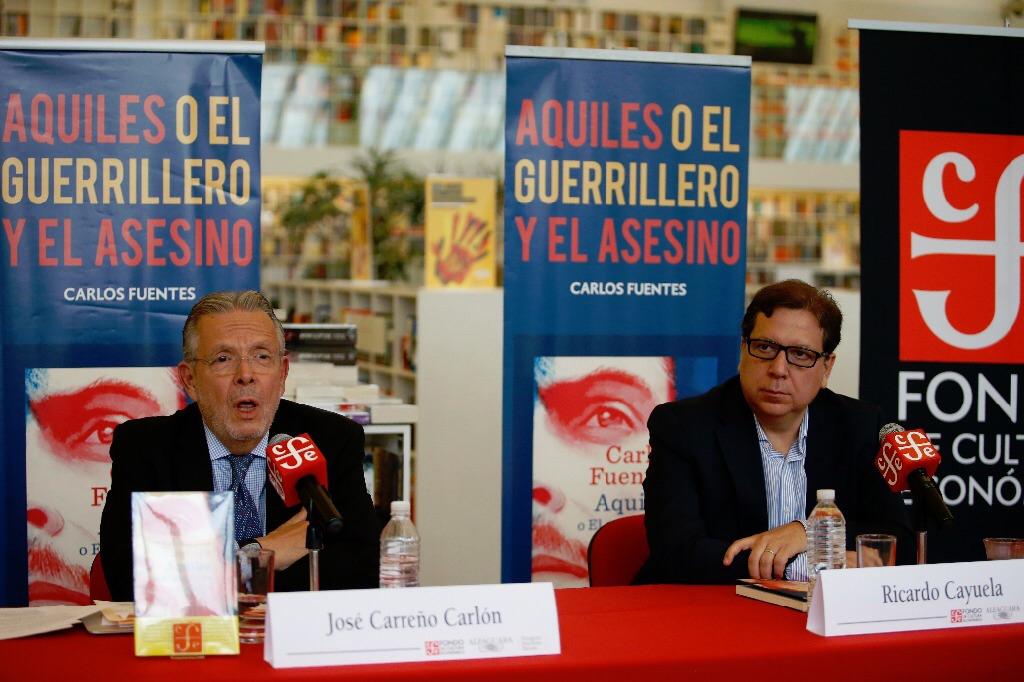 Presentan libro póstumo de Carlos Fuentes