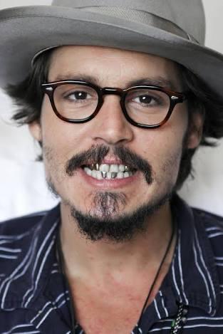 Depp se pelea con su guardaespaldas en bar de Dinamarca