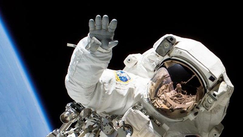 Los astronautas de la NASA que creían en las visitas de alienígenas a la Tierra