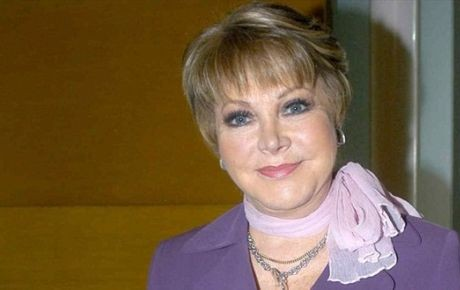 Corren a Lolita Ayala de Televisa y ni las gracias le dan
