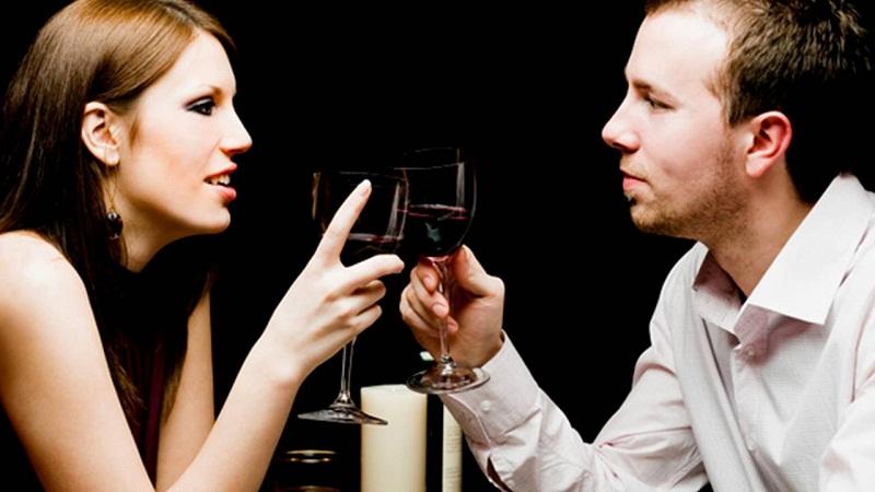 Parejas que beben alcohol juntas tienen relaciones amorosas más duraderas