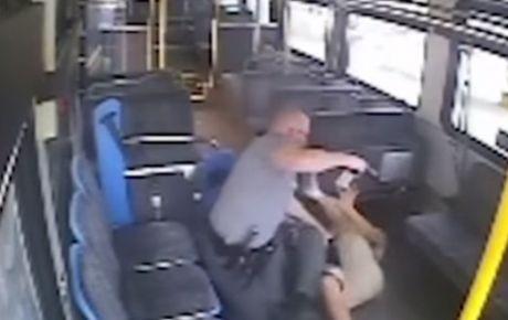 Policía de EU asesina a mexicano en transporte público VIDEO