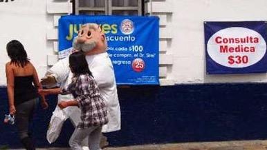 Lamenta Romo que ciudadanía confíe en médicos que cobran 30 pesos la consulta