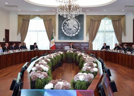 Peña Nieto reúne a su gabinete en Los Pinos