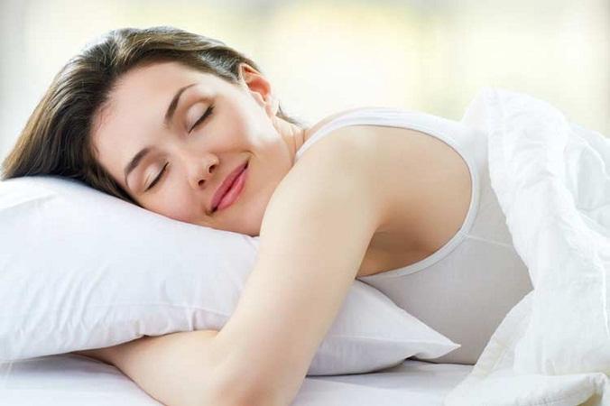 ¿Cuál es la mejor postura para dormir según la ciencia?