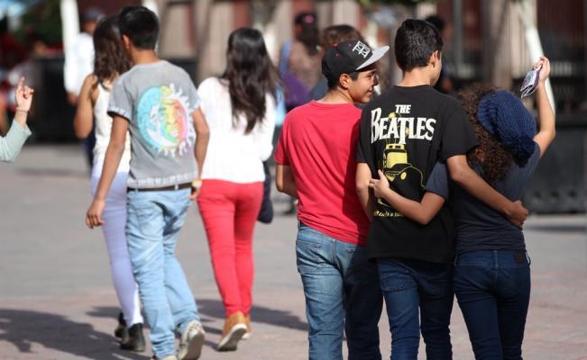 ISSEA promueve en jóvenes medidas para prevenir adicciones y violencia en el noviazgo