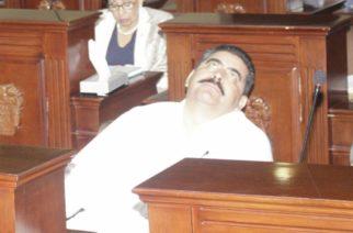 Diputado mala paga de Aguascalientes implora a los dioses ser reelecto