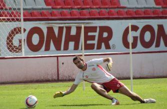 Necaxa regresa a los entrenamientos abiertos en el Estadio Victoria