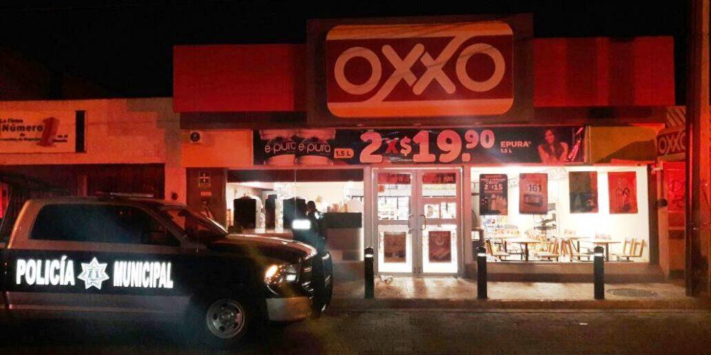 Detienen Policías Municiales a sujeto acusado de robo a tienda OXXO