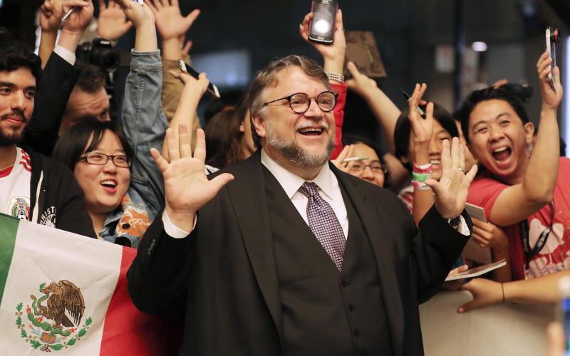 Guillermo del Toro dice por qué no le gusta que Peña Nieto reconozca sus logros