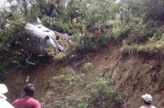 Se desploma helicóptero con víveres para damnificados de Oaxaca