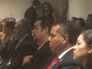 Se duerme líder del PRI de Aguascalientes en evento del IEE