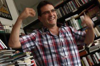 Antonio Helguera (Ciudad de México, 1965), el 26 de mayo de 2015, durante una entrevista con La Jornada, a propósito de la publicación del libro El motel de los antojos prohibidos (Penguin Random House), que hizo en coautoría con Verónica Maza
