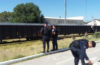 Sujeto se suicida al acostarse al paso del tren en Aguascalientes