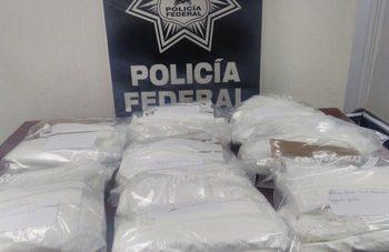 Detienen a ocho en el AICM con siete kilos de cocaína