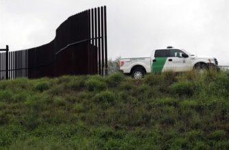 Matan a agente fronterizo; promete Trump castigo