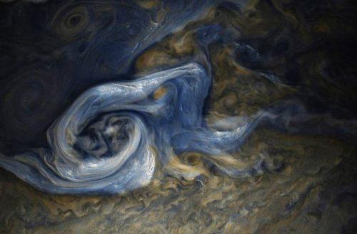 NASA captura imagen más cercana de súper tormenta masiva en Júpiter