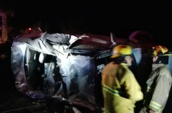 Volcadura deja 1 muerto y 4 heridos en Aguascalientes