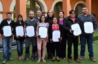 Artesanos de 6 estados reciben el Premio Nacional de Cerámica 2017