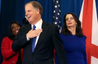 Trump sufre derrota en Alabama entre denuncias por acoso sexual