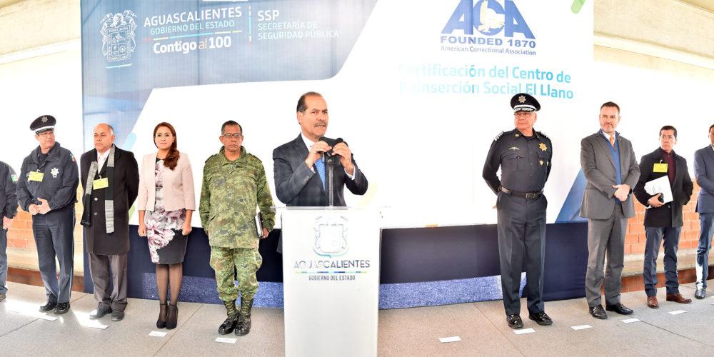 Orozco presenta certificación de Cereso El Llano otorgada por la ACA