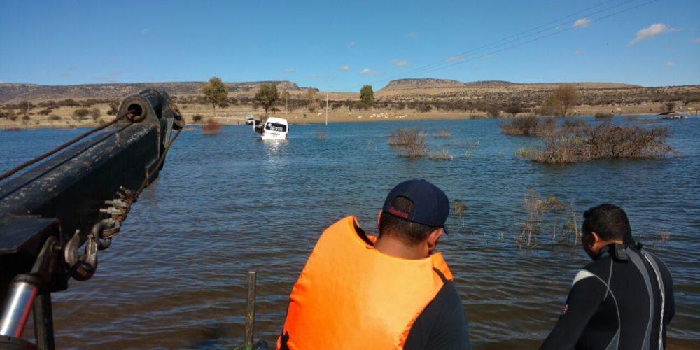 15 irapuatenses fueron rescatados tras quedar atrapados en laguna de Aguascalientes