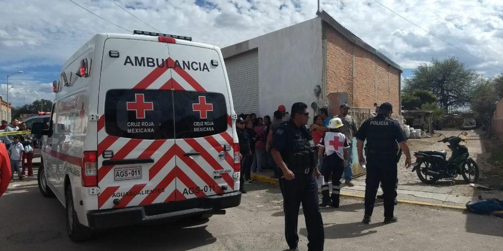 Muere mujer motociclista al ser impactada por camioneta en El Llano