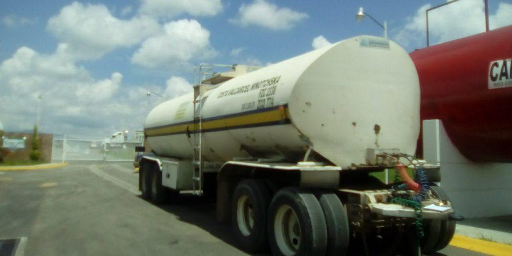 Detienen a 8 personas con dos pipas llenas de diesel en Ags que fueron robadas