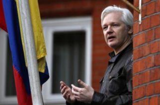Assange es chivo expiatorio para distraer escándalo de corrupción: Exconsúl