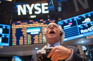 Economista pronostica  crisis financiera y el hundimiento del dolar