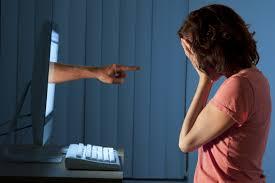 Temas que no deberías buscar en internet si no quieres tener problemas legales o mentales