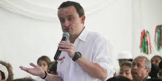 Mikel Arriola afirma que está en contra de la adopción entre personas del mismo sexo