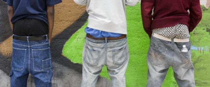 Multarán a los jóvenes que muestren la ropa interior en Carolina del Sur