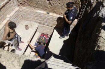 Bomberos de Aguascalientes rescatan a menor que cayó a fosa en SFR, Ags